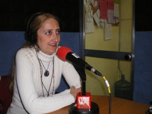 http://laschicasdeloleo.files.wordpress.com/2010/06/isabel_radio_enlace.jpg?w=300&h=225
